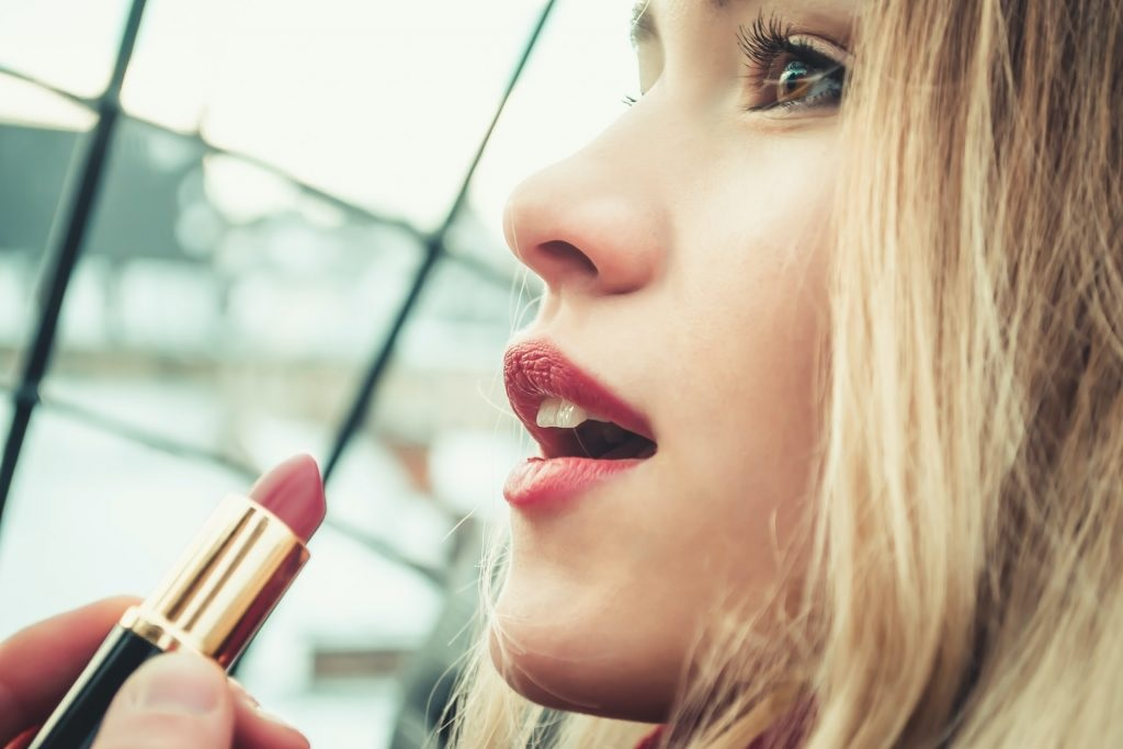 Top 6 Best All Day Lipstick for 2020